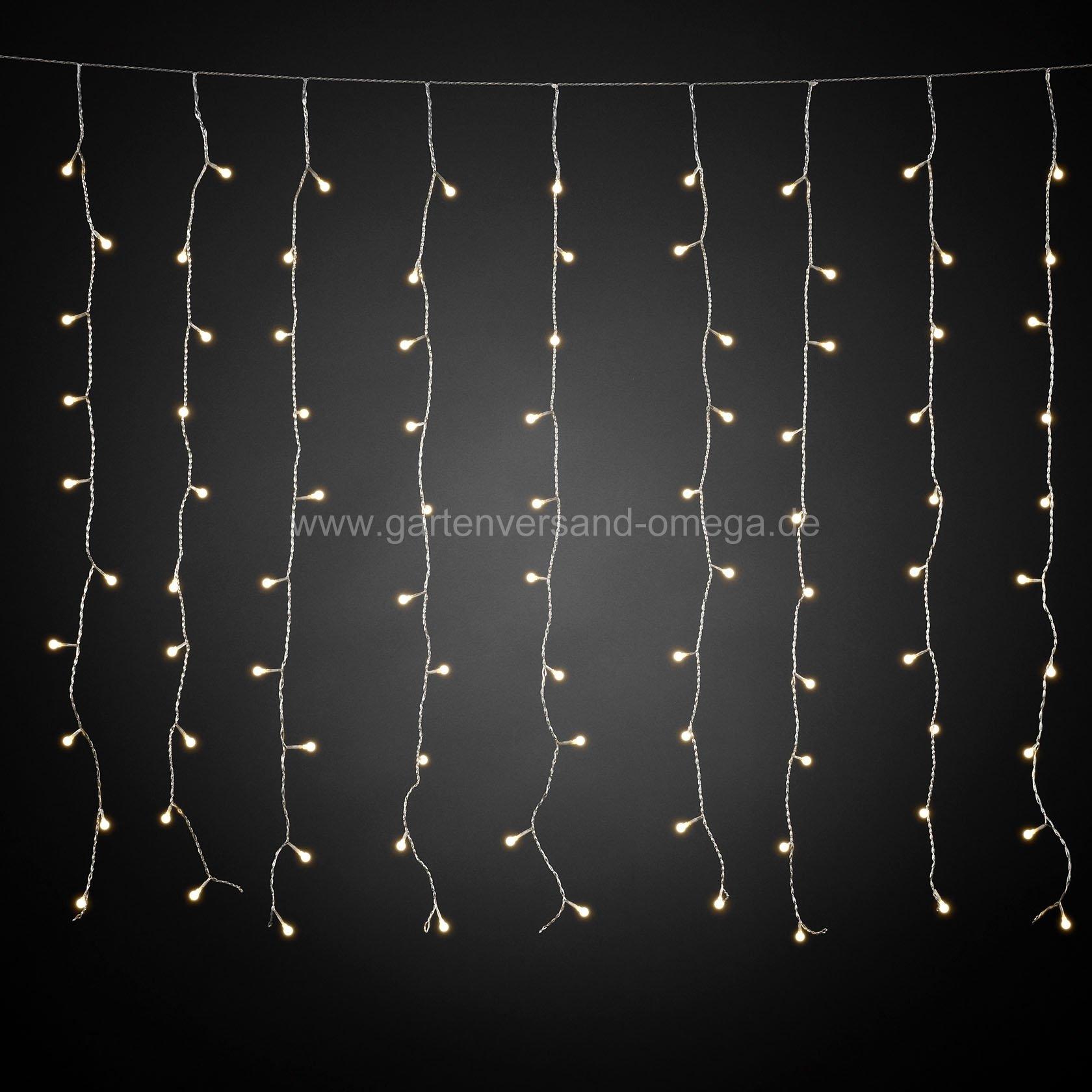 Led lichtervorhang mit wei en globes lichterkette f r dachrinnen energiesparende - Lichterkette am fenster aufhangen ...