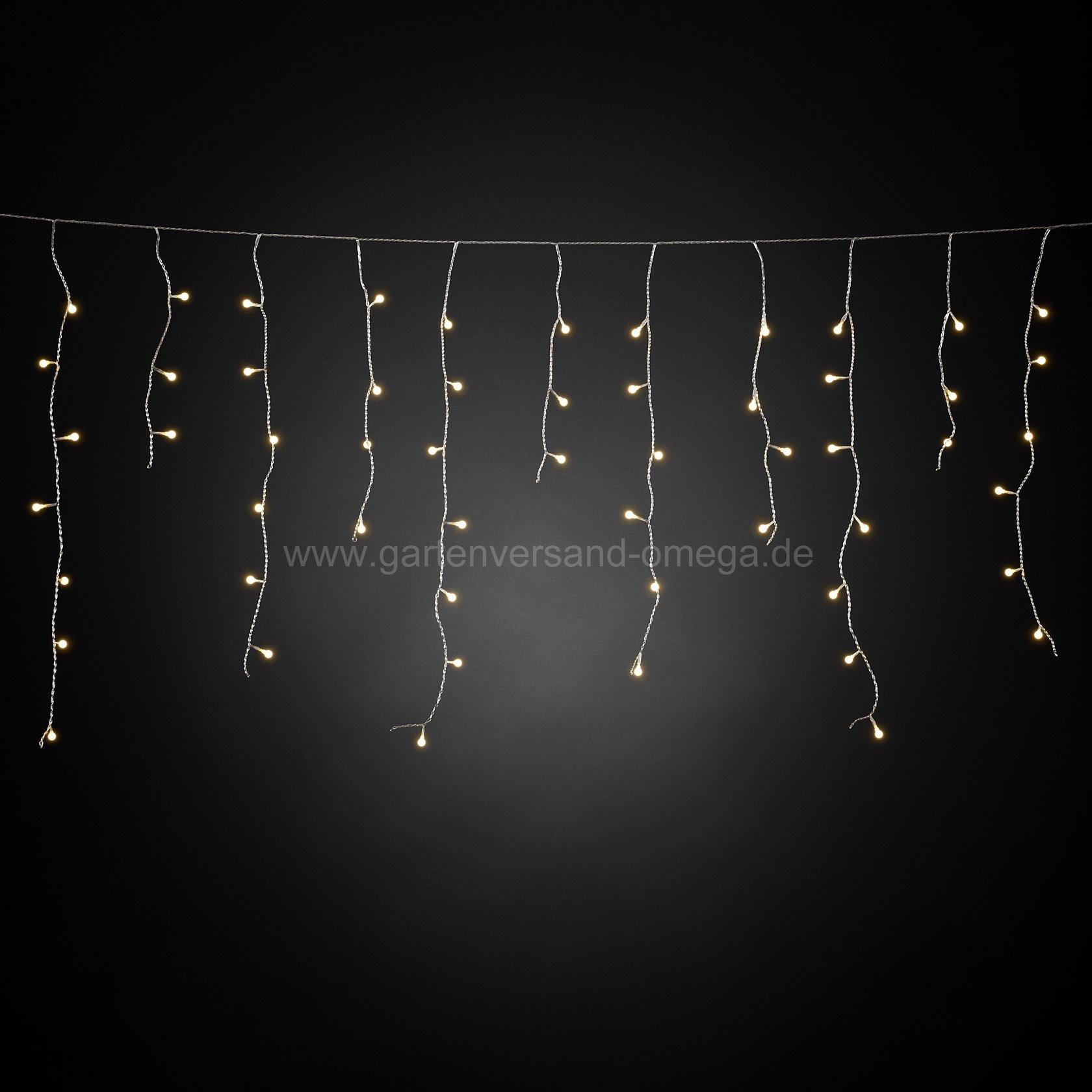 Led eisregen lichtervorhang mit wei en globes for Lichtervorhang weihnachten