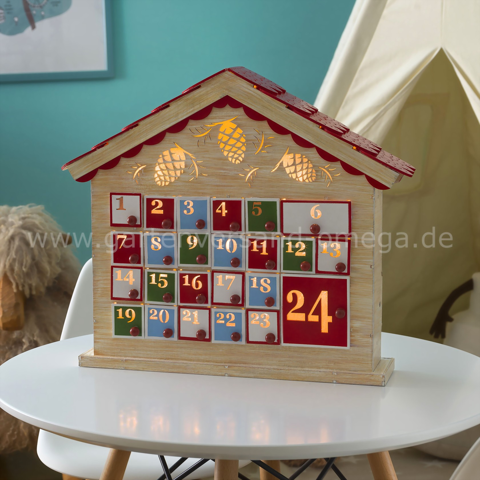 led holz adventskalender beleuchteter adventskalender aus holz mit 24 schubladen. Black Bedroom Furniture Sets. Home Design Ideas